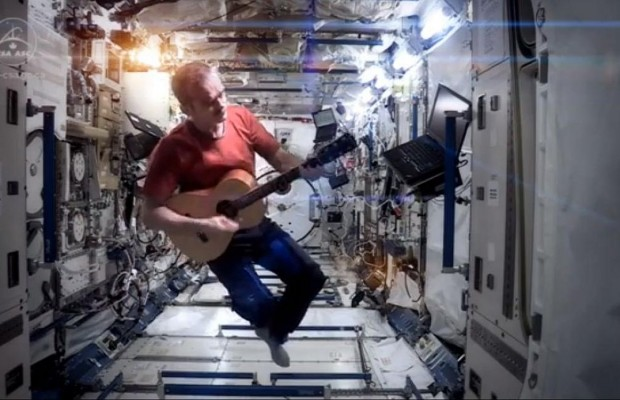 """Amazing """"Space Oddity"""" Cover From International Space Station"""