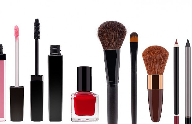 How to Clean Out Your Makeup