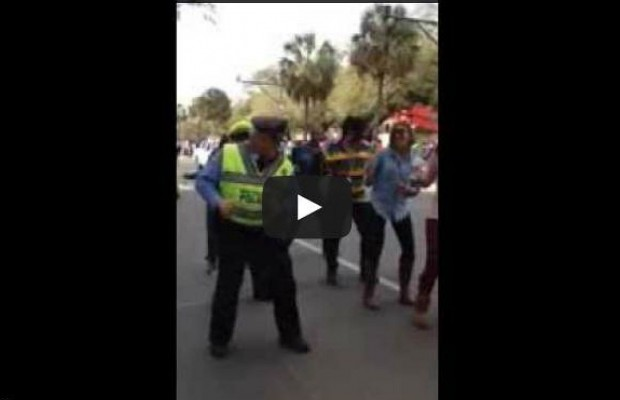 """New Orleans Police Officers Really Know How To """"Wobble"""""""