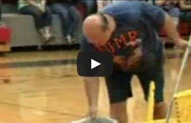 Students Surprise Janitor With Money