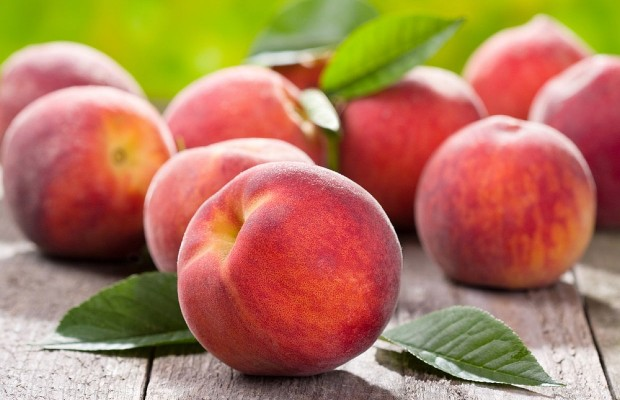 You Will Never Believe How They Sell Peaches In China