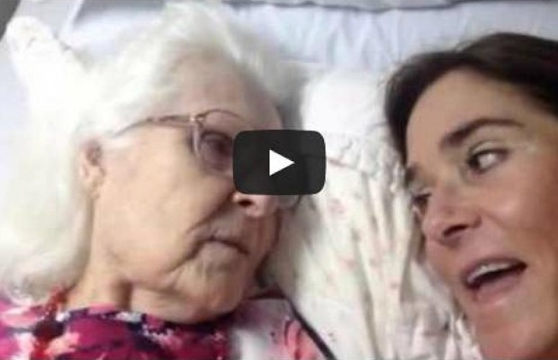 Mother With Alzheimer's Recognizes Daughter And It Will Warm Your Heart